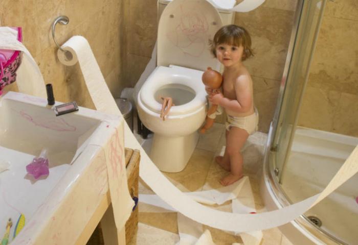 Веселье в туалете.