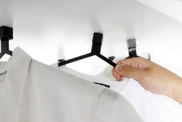 Магнитные плечики для одежды. | Фото: DottorGadget.