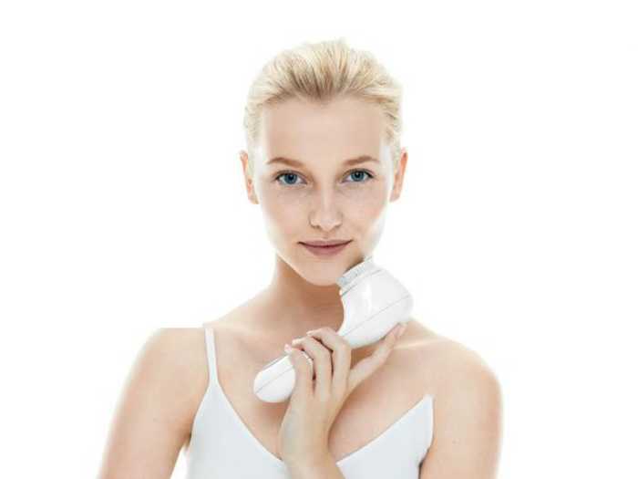 Купите щетку для чистки лица.