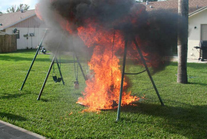 Хорошо горит.