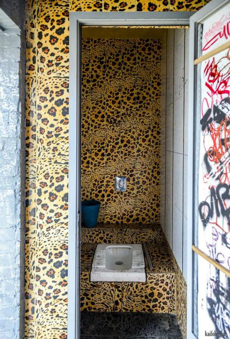 Роскошная отделка туалета.