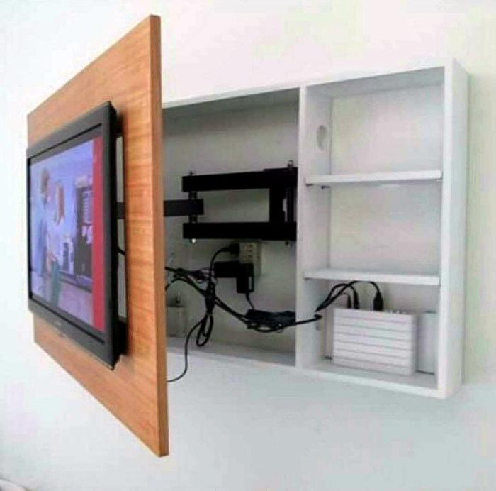 ТВ-зона со шкафчиком.