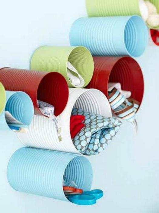 Оригинальные контейнеры для хранения швейных принадлежностей.