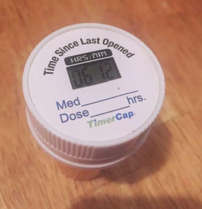 «Умный» контейнер для лекарств. | Фото: ArmChannel.