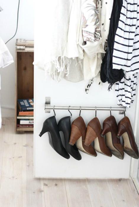 Обувь на крючках. | Фото: Elle.