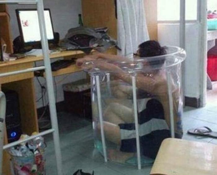 Индивидуальный бассейн программиста. | Фото: BrightSide.