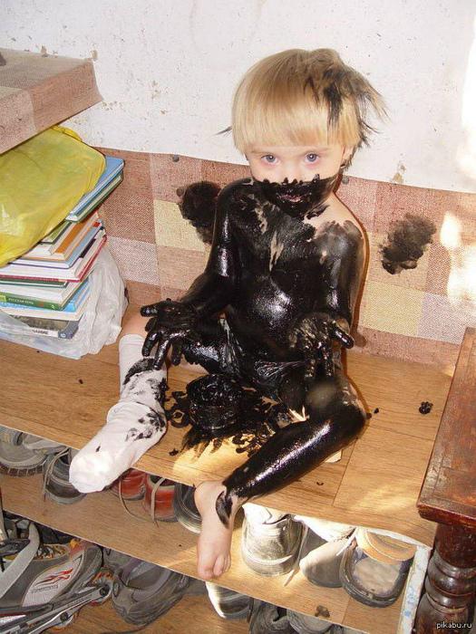 «Не волнуйся, мамочка, это крем для обуви!» | Фото: Хроника.инфо.
