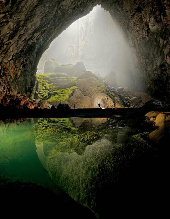 Крупнейшая пещера в мире, которая находится в самом сердце национального парка Фонгня-Кебанг в провинции Куангбинь.