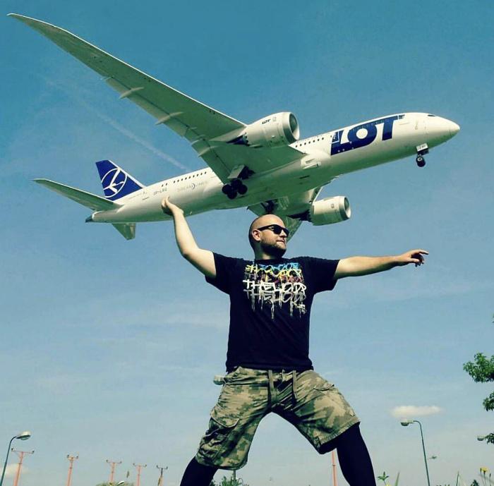 Запускать самолетики по-взрослому.
