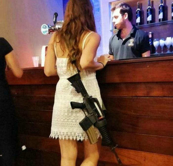 Novate.ru предупреждает, не шутите с израильскими девушками. | Фото: LiveInternet.