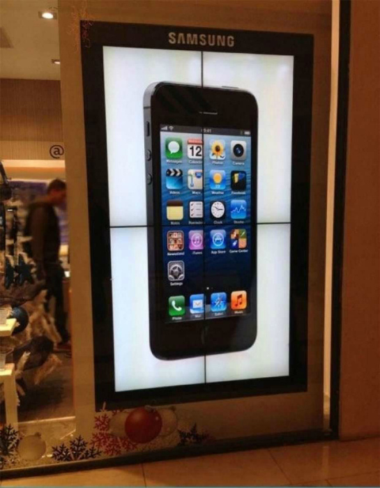Sumsung рекламирует Iphone...