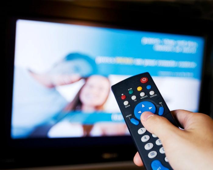 Контроль рекламных роликов в Великобритании.