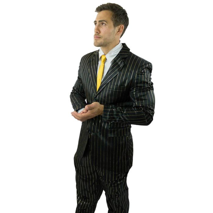 Элегантная мужская пижама-костюм.