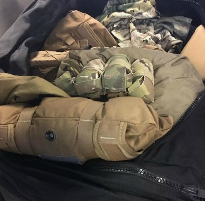 Опасный чемодан с гранатами.
