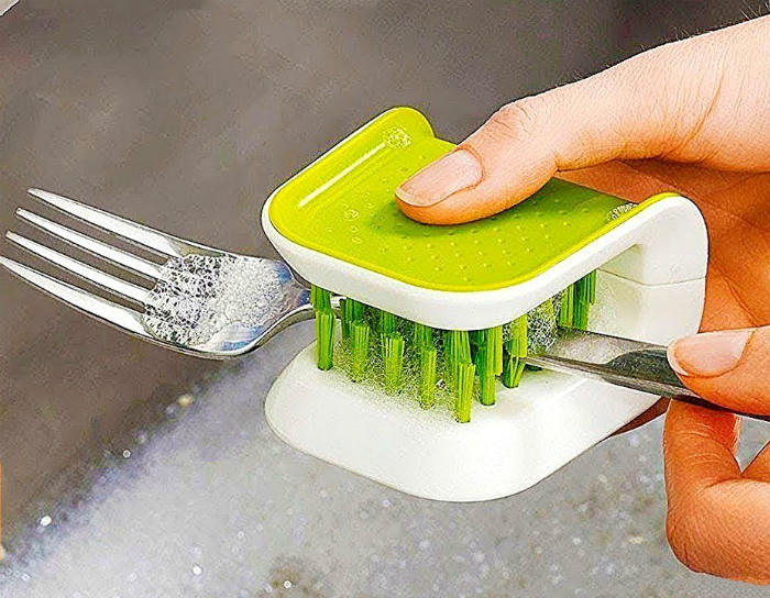 Щетка для посуды. | Фото: MetroShop.