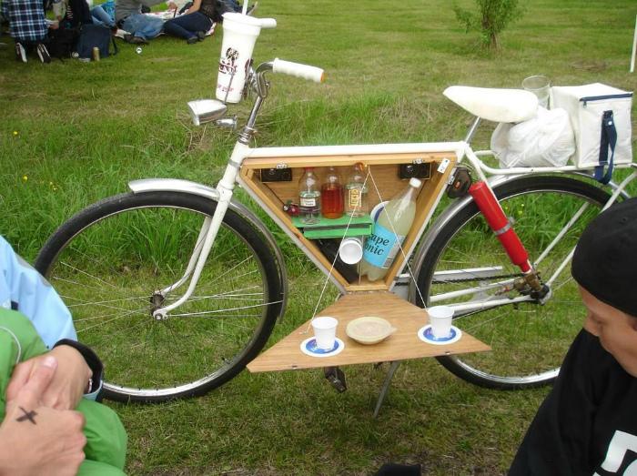 Велосипед со встроенным мини-баром.