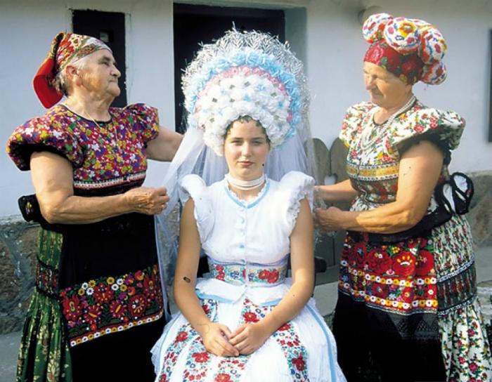Традиционный наряд венгерской невесты.