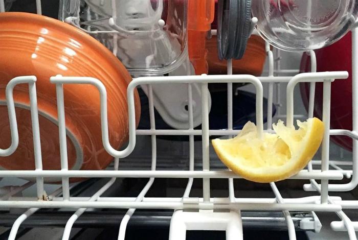 Лимон для блеска посуды.