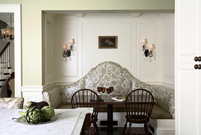 Кухонный уголок в классическом стиле.
