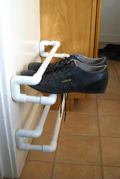 Полочка для обуви из труб.