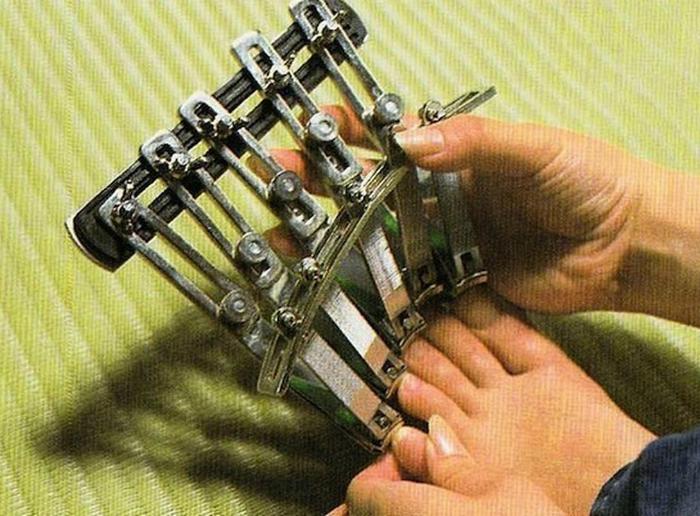 Устройство для стрижки ногтей.