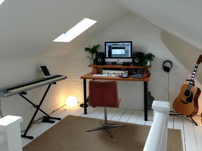 Студия звукозаписи на чердаке. | Фото: Attic Ideas.