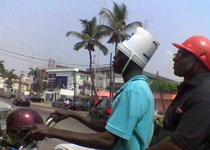 «Чем вам не нравится мой шлем?» | Фото: Aasim Khan.
