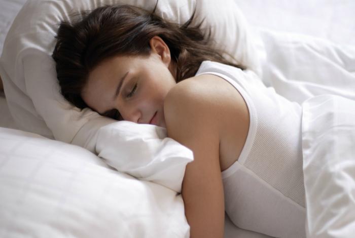Сон лицом в подушку.