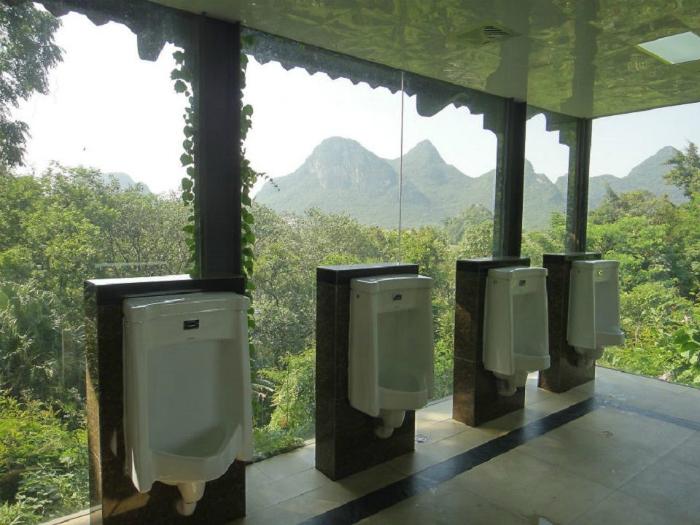 Общественный туалет в Китае.