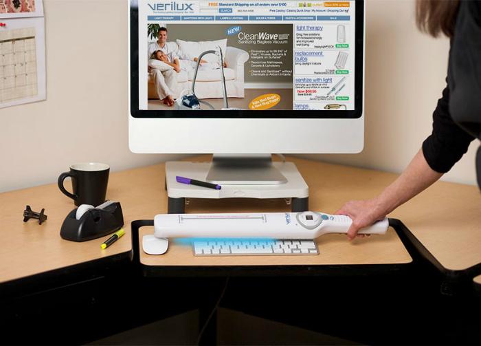 Устройство для дезинфекции поверхностей CleanWave Portable Sanitizing Wand.