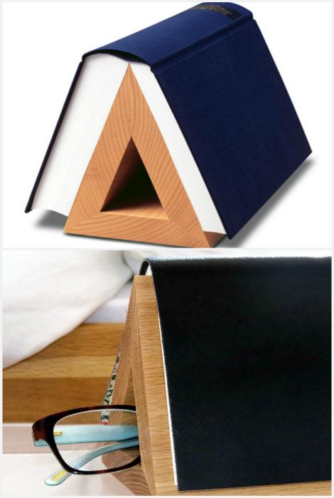 Деревянная подставка для книги.