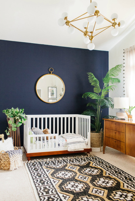 Элегантная спальня с тропическими мотивами.