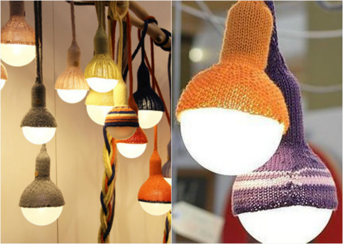 Вязаные абажуры для лампочек добавят комнате тепла и уюта.