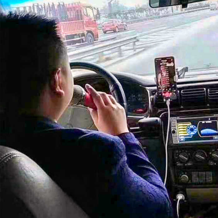 Творческие русские таксисты. | Фото: Бугага.