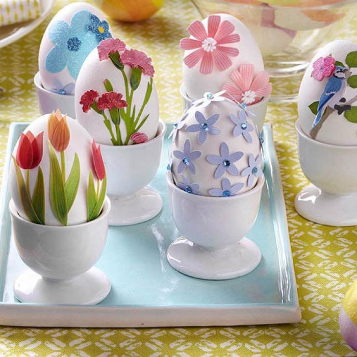 Яйца, украшенные аппликацией.