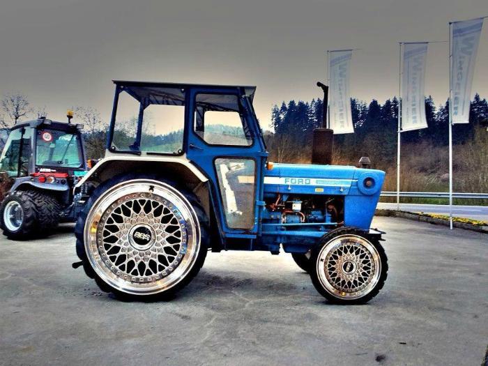 Трактор с изюминкой.