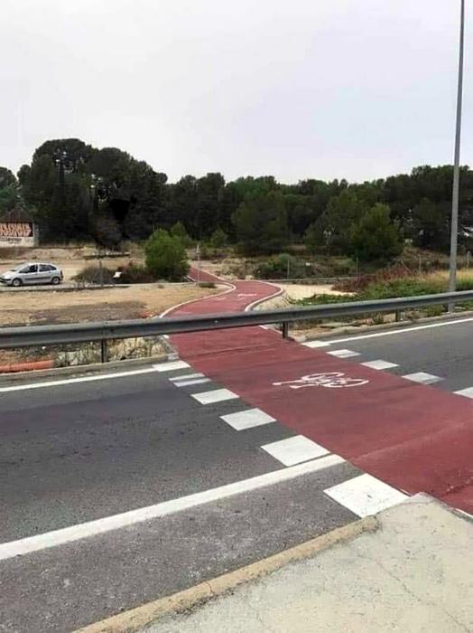 Нет дороги без препятствий. | Фото: VKMag.