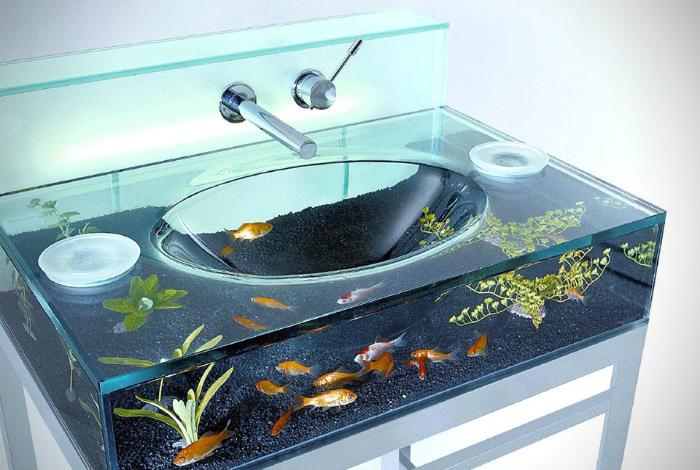 Раковина-аквариум.