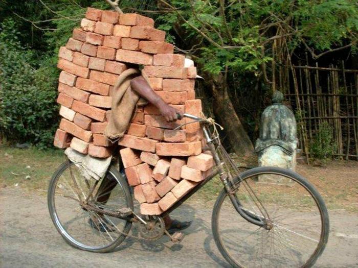 Стена на велосипеде.