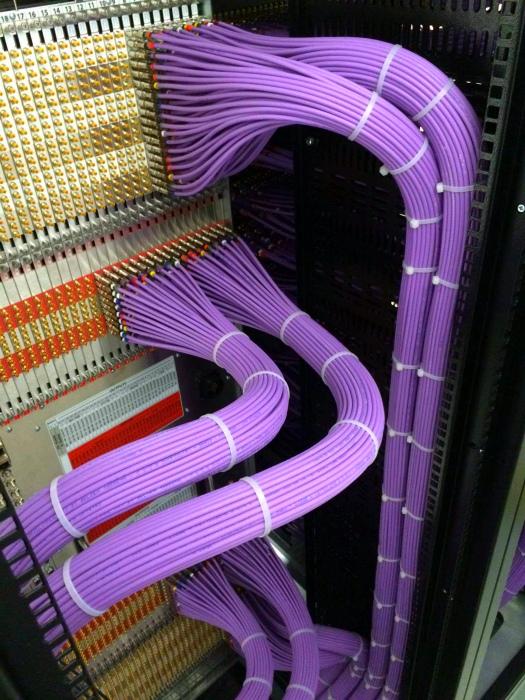 Проводок к проводку. | Фото: Imgur.