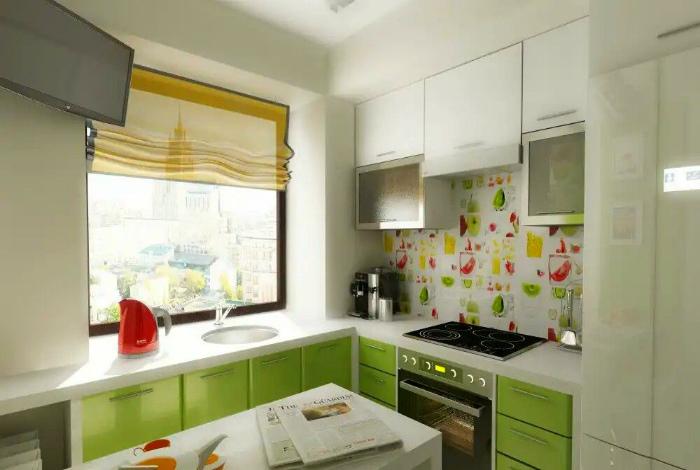 Светлая уютная кухня.