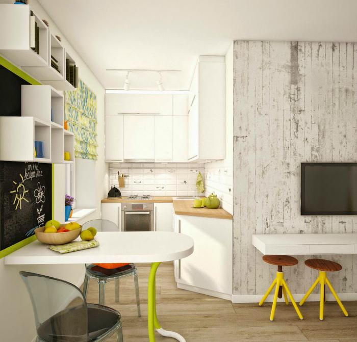 Кухня-гостиная с необычной планировкой и яркими деталями.