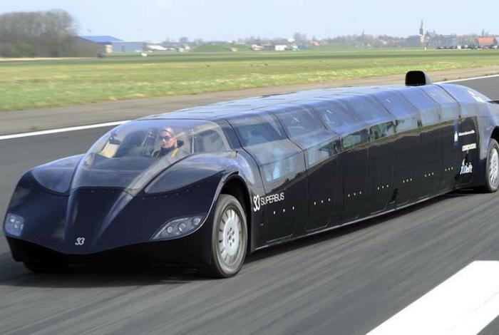 Необычайно роскошный лимузин-автобус.