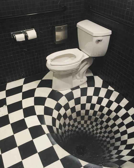 Оптическая иллюзия на полу.