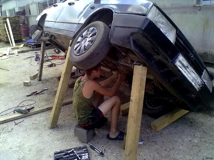 Рисковый автомеханик.