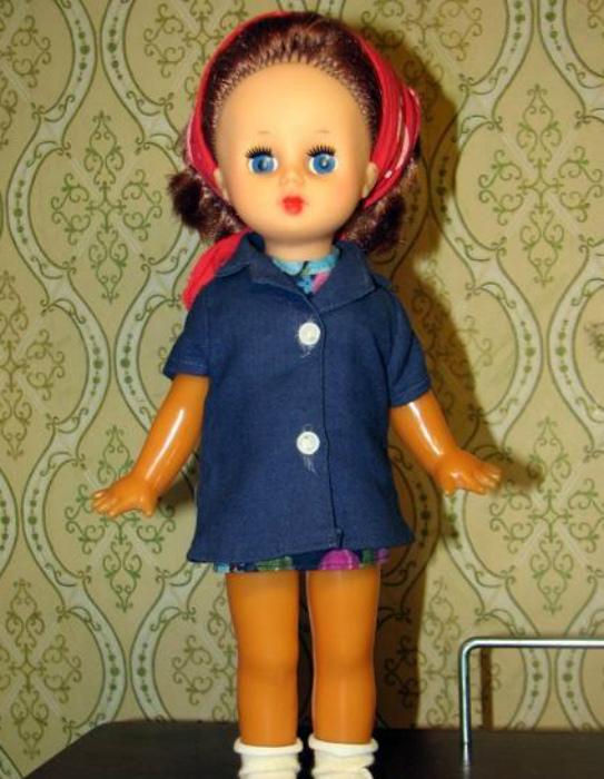 Очаровательная советская куколка.