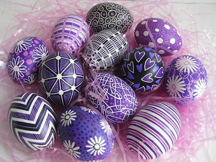 Современный декор пасхальных яиц.