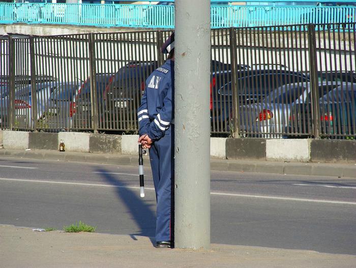 Мастер-класс по маскировке от опытного сотрудника дорожной полиции.