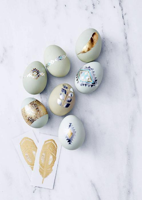 Татуированные яйца.