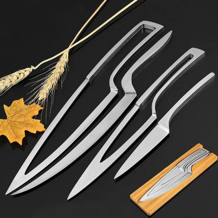 Набор кухонных ножей. | Фото: Лайфхакер.